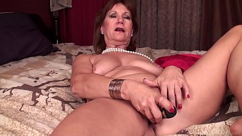 hot plays cock with mature muscle guy Indian aunty watching bluefilms