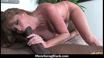 mature mom bi Pic shannon sinclair private snap