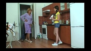 tio follada morenita video el por Two hot kinky lesbians get freaky and messy with food