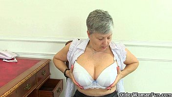 girdle fitting granny british lesbian Embaraso a mi hija